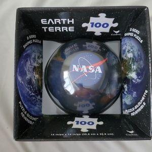 Cardinal NASA Earth 2 Sized Shaped Puzzle 100 Pcs